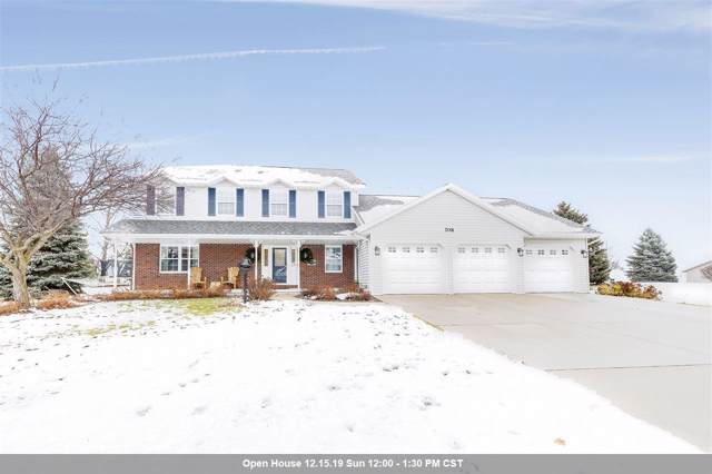 708 Marcks Court, Luxemburg, WI 54217 (#50214900) :: Todd Wiese Homeselling System, Inc.