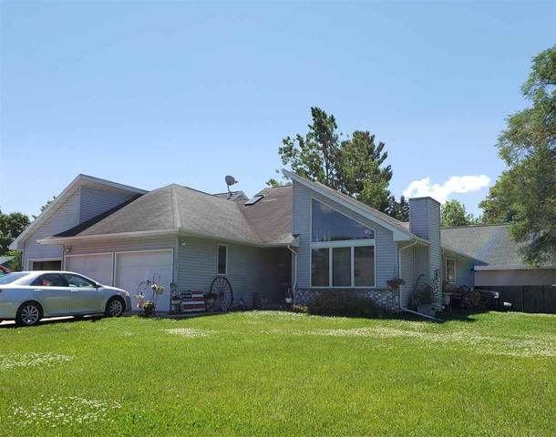 213 W Parker Street, Weyauwega, WI 54983 (#50215266) :: Todd Wiese Homeselling System, Inc.