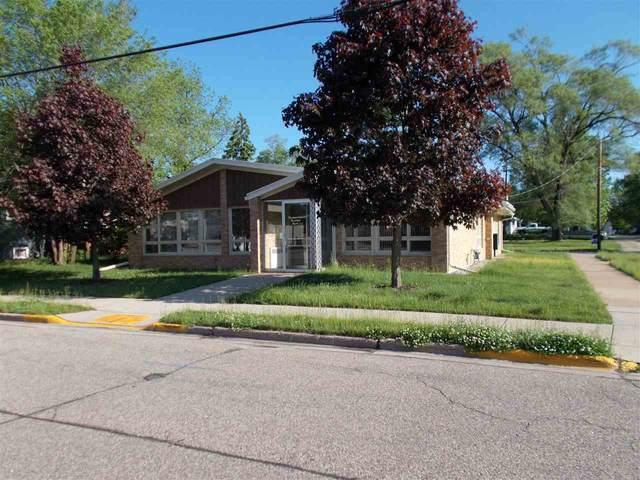 515 E Fulton Street, Waupaca, WI 54981 (#50215451) :: Todd Wiese Homeselling System, Inc.