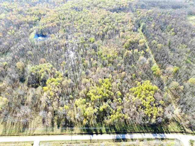 3895 Oak Orchard Road, Little Suamico, WI 54141 (#50215724) :: Symes Realty, LLC