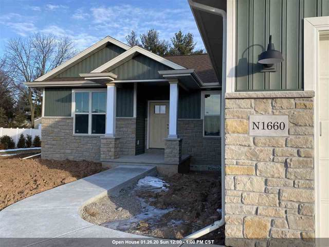 N1660 Waterlefe Drive, Greenville, WI 54942 (#50215808) :: Dallaire Realty
