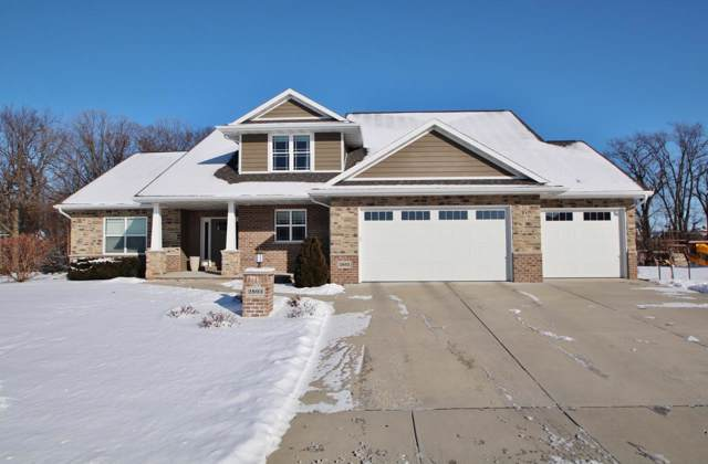 2893 Creekwood Circle, Green Bay, WI 54311 (#50216031) :: Dallaire Realty
