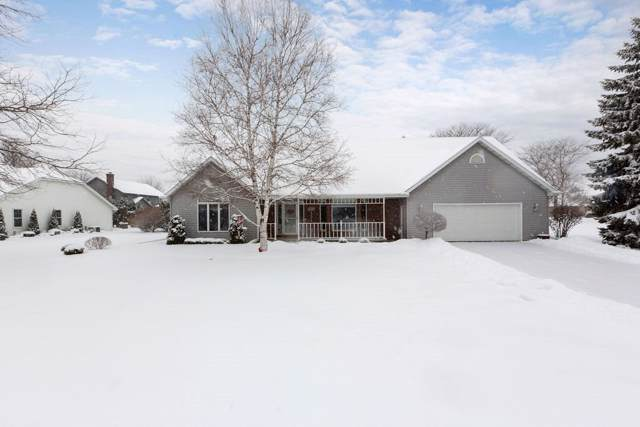 2146 W Prairie Creek Drive, Neenah, WI 54956 (#50216425) :: Dallaire Realty