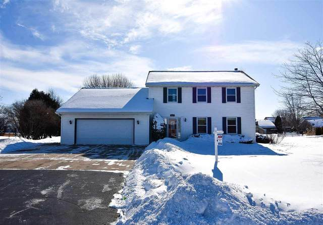 4077 Westview Lane, Oshkosh, WI 54904 (#50216535) :: Todd Wiese Homeselling System, Inc.