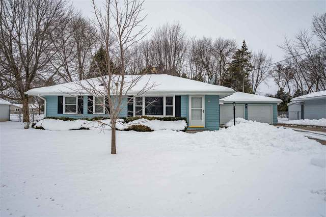 79 S Oakwood Road, Oshkosh, WI 54904 (#50216779) :: Todd Wiese Homeselling System, Inc.