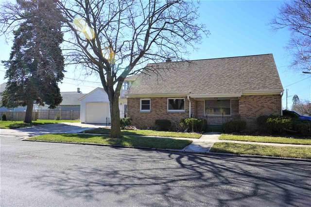 2015 Columbus Street, Manitowoc, WI 54220 (#50216962) :: Dallaire Realty