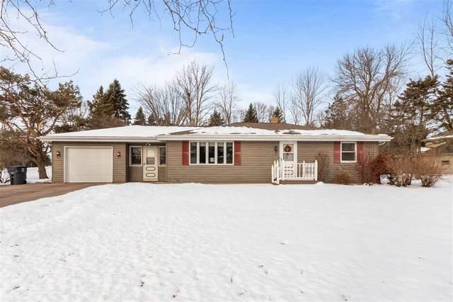 N1647 Greenwood Road, Greenville, WI 54952 (#50217000) :: Todd Wiese Homeselling System, Inc.
