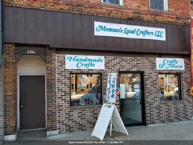 209 N Main Street, Waupaca, WI 54981 (#50217116) :: Symes Realty, LLC