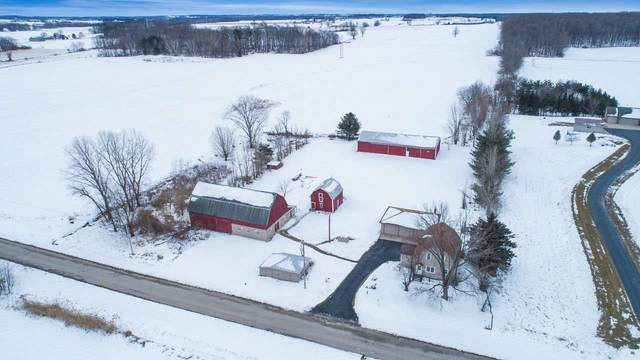 6104 Bader Road, Luxemburg, WI 54217 (#50217144) :: Todd Wiese Homeselling System, Inc.