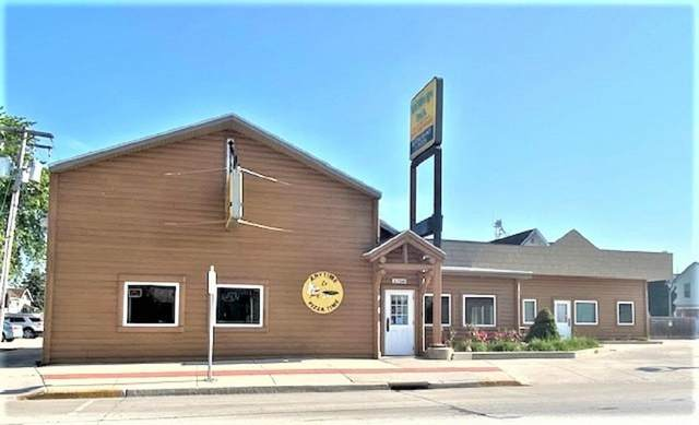1702 Wisconsin Avenue, New Holstein, WI 53061 (#50217174) :: Carolyn Stark Real Estate Team