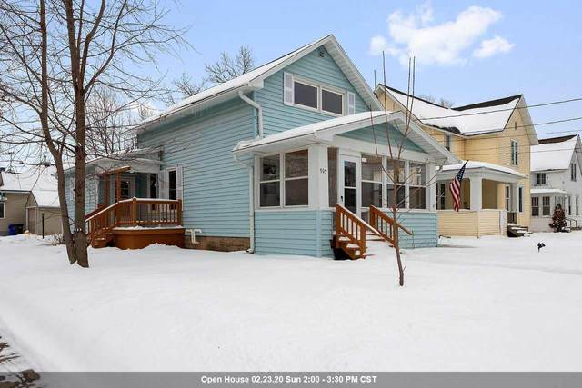 909 W Lawrence Street, Appleton, WI 54914 (#50217347) :: Dallaire Realty