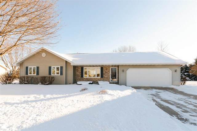 3449 Milford Drive, Oshkosh, WI 54904 (#50217439) :: Todd Wiese Homeselling System, Inc.