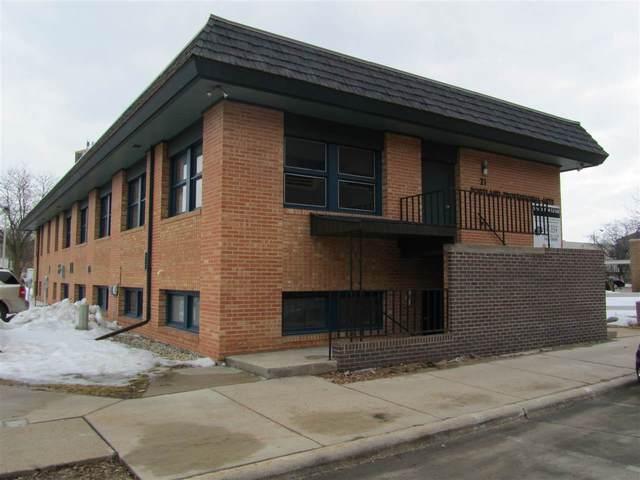 21 N Portland Street, Fond Du Lac, WI 54935 (#50217451) :: Todd Wiese Homeselling System, Inc.