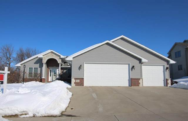 362 Leona Way, Oakfield, WI 53065 (#50217526) :: Dallaire Realty