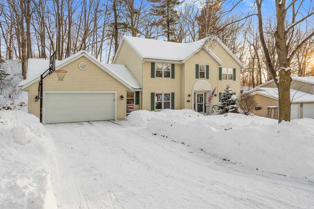 2734 Canyon Bluff Road, Green Bay, WI 54302 (#50217593) :: Todd Wiese Homeselling System, Inc.
