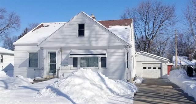 1252 Marian Lane, Green Bay, WI 54304 (#50217636) :: Todd Wiese Homeselling System, Inc.