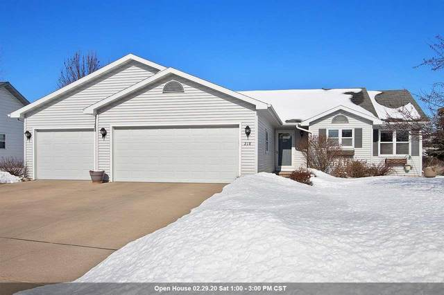218 Carriage Drive, Neenah, WI 54956 (#50217772) :: Todd Wiese Homeselling System, Inc.