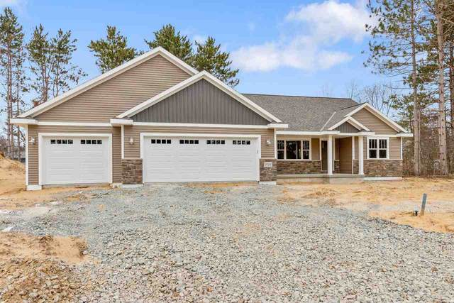 2722 Lafayette Drive, Green Bay, WI 54304 (#50218151) :: Todd Wiese Homeselling System, Inc.