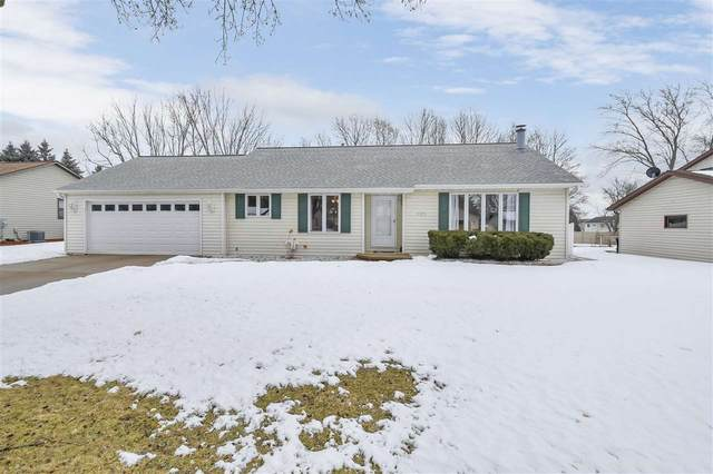 2175 Woodcrest Drive, Green Bay, WI 54304 (#50218301) :: Todd Wiese Homeselling System, Inc.
