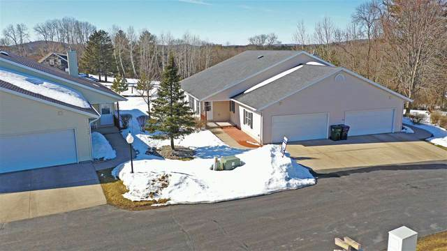 217 Prairie View Court, Waupaca, WI 54981 (#50218365) :: Symes Realty, LLC