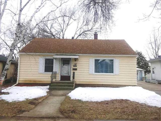 358 E Scott Street, Fond Du Lac, WI 54935 (#50218469) :: Todd Wiese Homeselling System, Inc.