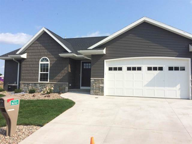 W6947 Brackenwood Lane #41, Greenville, WI 54942 (#50218581) :: Todd Wiese Homeselling System, Inc.