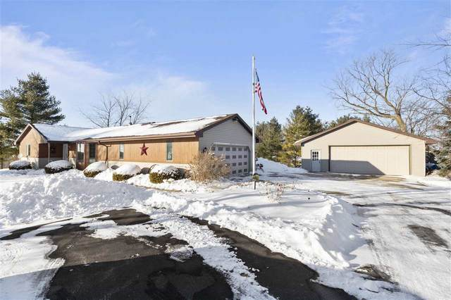 W8636 Spring Road, Hortonville, WI 54944 (#50218620) :: Todd Wiese Homeselling System, Inc.