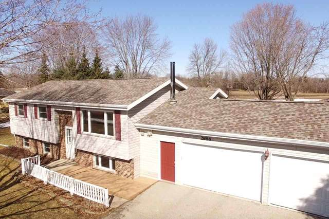 2986 W Shady Lane, Neenah, WI 54956 (#50218681) :: Todd Wiese Homeselling System, Inc.