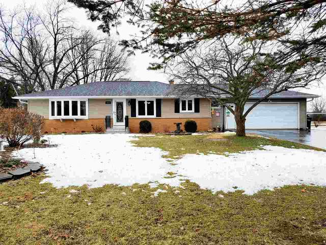 5630 Long Court, Appleton, WI 54914 (#50218682) :: Todd Wiese Homeselling System, Inc.