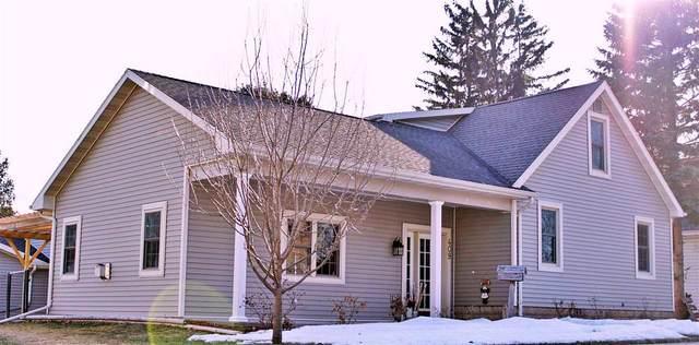 409 W 8TH Street, Kaukauna, WI 54130 (#50218778) :: Todd Wiese Homeselling System, Inc.