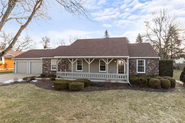1812 N Winesap Lane, Appleton, WI 54914 (#50218996) :: Todd Wiese Homeselling System, Inc.