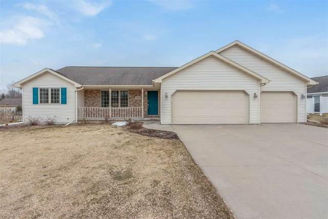 1215 Mojave Trail, Green Bay, WI 54313 (#50219039) :: Todd Wiese Homeselling System, Inc.