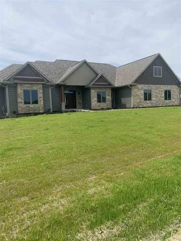 6805 N Smoketree Pass, Appleton, WI 54913 (#50219177) :: Todd Wiese Homeselling System, Inc.