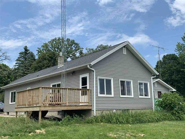 W10651 Blackhawk Trail, Fox Lake, WI 53933 (#50219257) :: Todd Wiese Homeselling System, Inc.