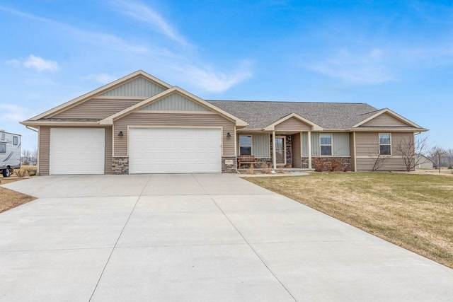 W9064 Black Otter Court, Hortonville, WI 54944 (#50219404) :: Todd Wiese Homeselling System, Inc.