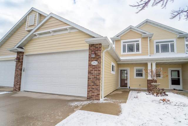 1753 Oak Hollow Lane, Neenah, WI 54956 (#50219419) :: Todd Wiese Homeselling System, Inc.