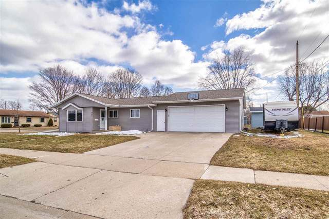 445 Patrick Street, Combined Locks, WI 54113 (#50219428) :: Dallaire Realty