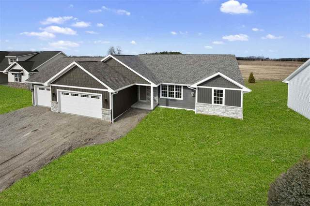 1261 Mountain Bay Drive, Pulaski, WI 54162 (#50219443) :: Todd Wiese Homeselling System, Inc.