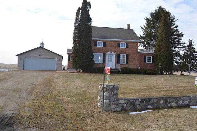 E1169 County Line Road, Luxemburg, WI 54217 (#50219581) :: Todd Wiese Homeselling System, Inc.