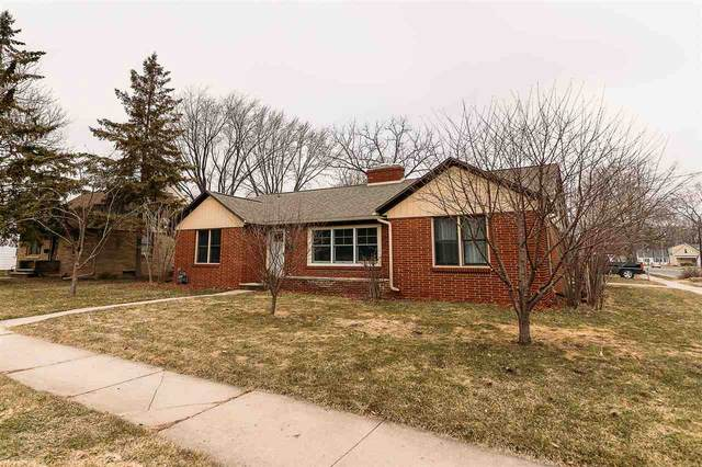 1020 Hickory Hill Drive, Green Bay, WI 54304 (#50219677) :: Symes Realty, LLC