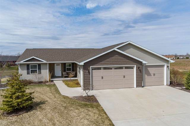 633 Carefree Court, Combined Locks, WI 54331 (#50220097) :: Todd Wiese Homeselling System, Inc.