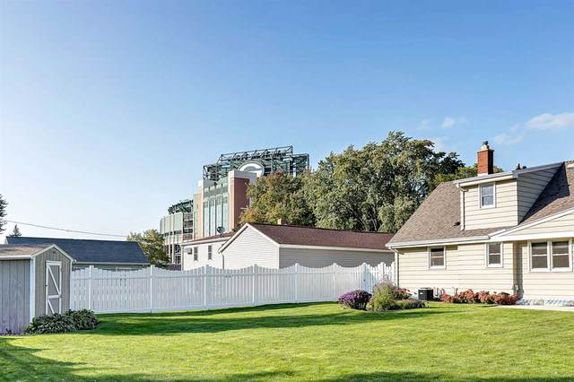 889 Stadium Drive, Green Bay, WI 54304 (#50220149) :: Dallaire Realty