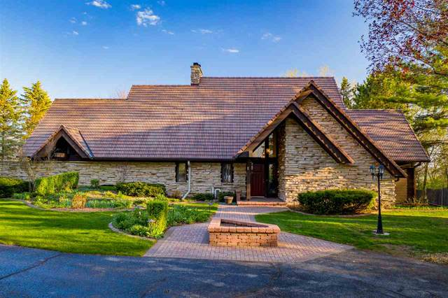 W6319 Cedar Cliff Drive, Hortonville, WI 54944 (#50220628) :: Todd Wiese Homeselling System, Inc.