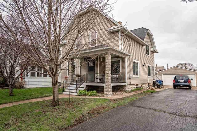 242 W 14TH Avenue, Oshkosh, WI 54902 (#50221067) :: Todd Wiese Homeselling System, Inc.