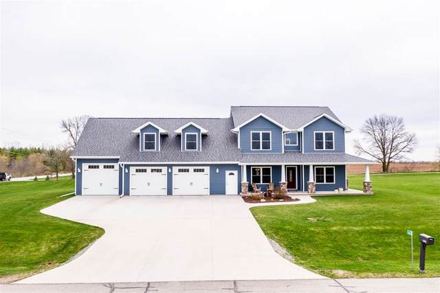 N2082 Lawler Court, Hortonville, WI 54944 (#50221139) :: Todd Wiese Homeselling System, Inc.