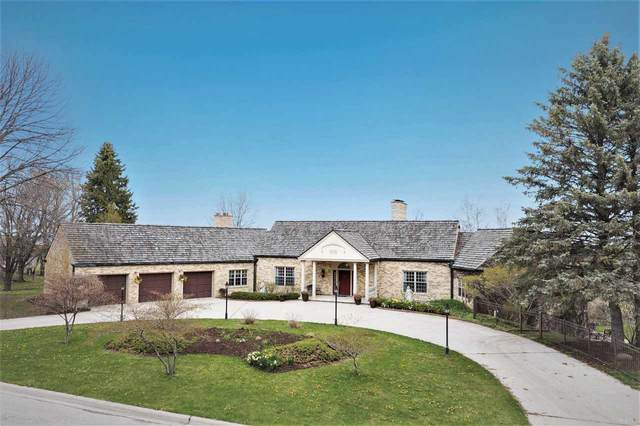 3177 Bay View Drive, Green Bay, WI 54311 (#50221675) :: Todd Wiese Homeselling System, Inc.