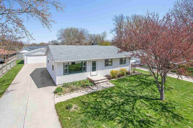 612 E Layton Avenue, Appleton, WI 54915 (#50222249) :: Todd Wiese Homeselling System, Inc.