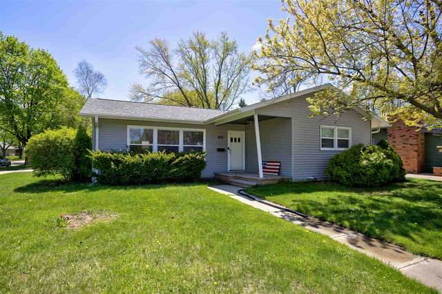 1813 E College Avenue, Appleton, WI 54914 (#50222306) :: Todd Wiese Homeselling System, Inc.