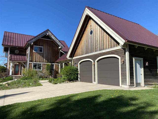 2103 Lakeside Place, Green Bay, WI 54302 (#50222405) :: Dallaire Realty