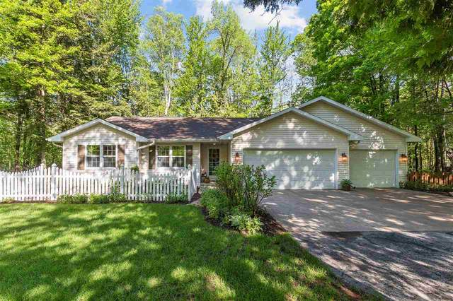 1753 Tibbet Court, Little Suamico, WI 54141 (#50222732) :: Symes Realty, LLC